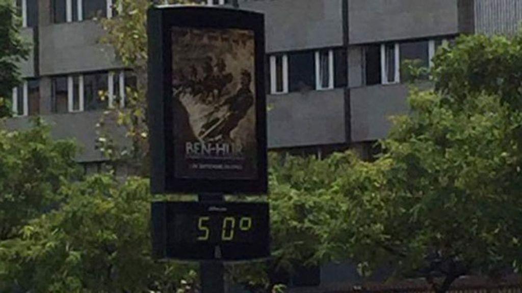 """""""Tampoco hizo frío"""" comentaba Susana tras ver los 50 grados que marcaba el termómetro en Murcia"""