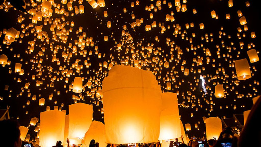 Festival budista Loi Krathong, Tailandia