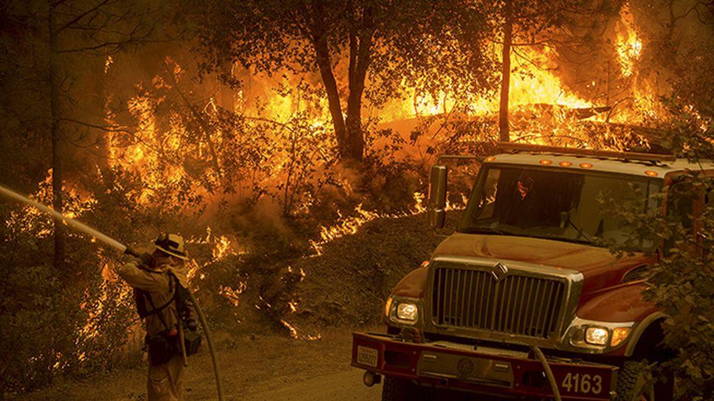 El 'Incendio del Valle' devora 200 kilómetros