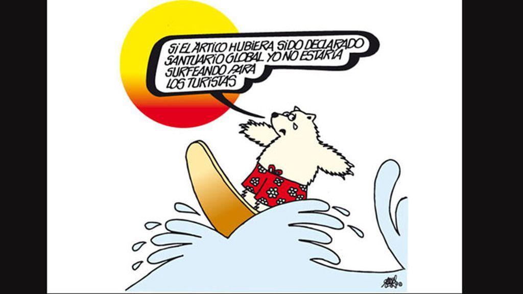 En tabla de surf y bajo un sol abrasador representa Forges la situación crítica del Ártico