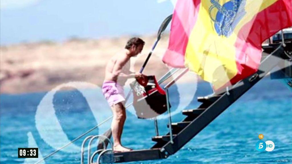 Josep Pujol, en un yate de ocho millones de euros y bajo una gran bandera de España