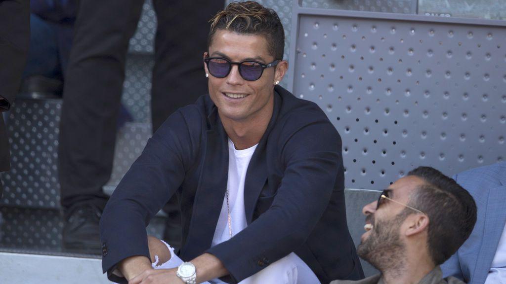¿Qué libro de autoayuda está leyendo Cristiano Ronaldo? El portugués lo desvela en las redes