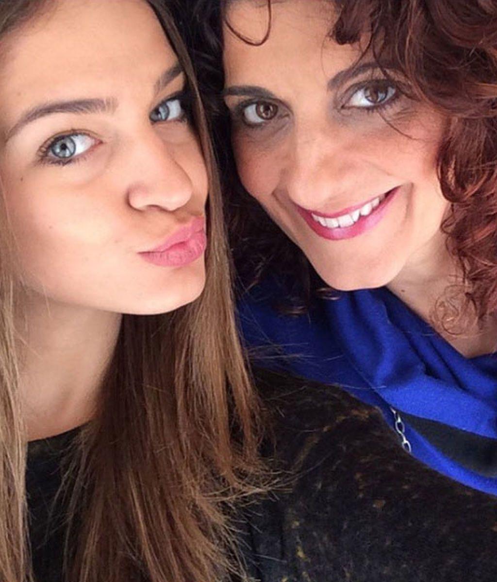 """Amor de madre: Anna Espinosa """"sin palabras"""" en la boda de su hija, Laura Escanes"""