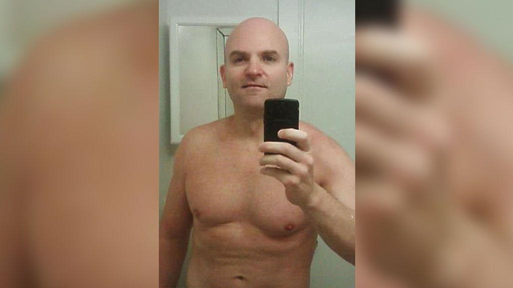 Acusado de abusar de su hija, es encarcelado por negarse a dar la contraseña de su iPhone
