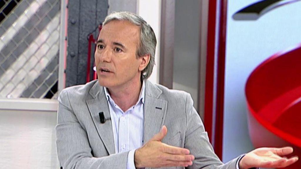 """Jorge Azcón compara el caso de Moix con el de Echenique: """"¿Tiene que dimitir o no?"""""""