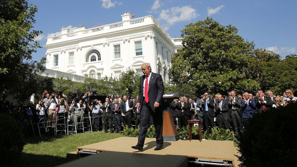 Donald Trump anunciando el abandono de EEUU en el Acuerdo de París