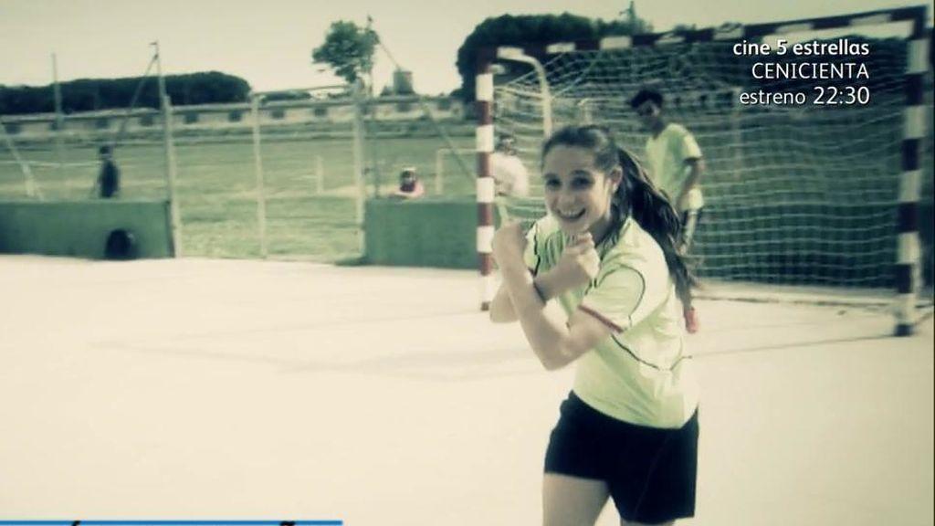 La niña a la que le prohibieron jugar a fútbol podrá volver después de cambiar el reglamento