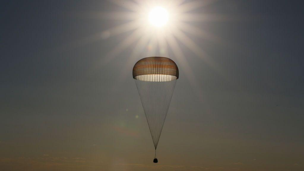 La cápsula Soyuz MS-03 que transporta la tripulación de la Estación Espacial Internacional (ISS)