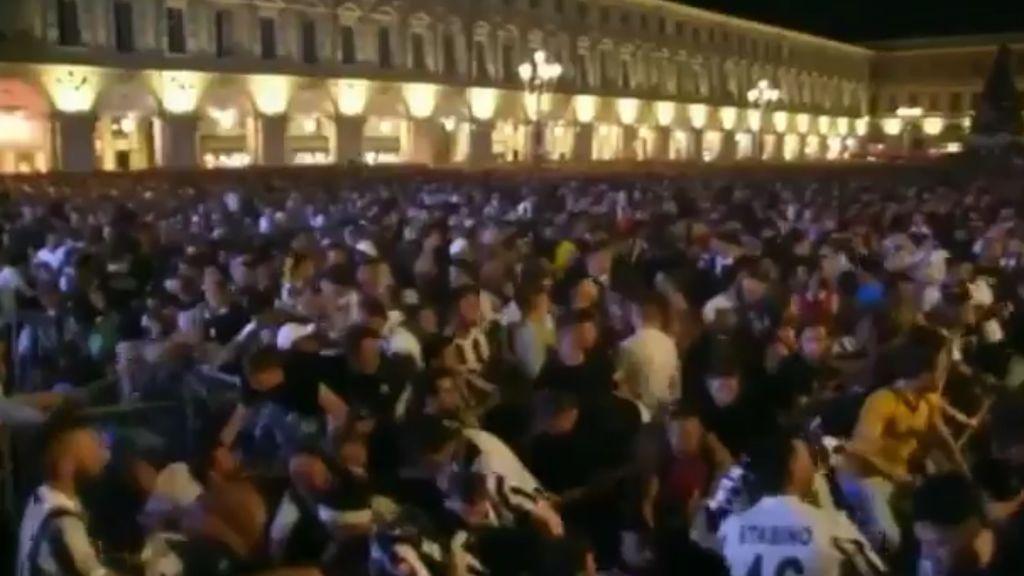 Un petardo provoca una avalancha entre los aficionados de la Juventus