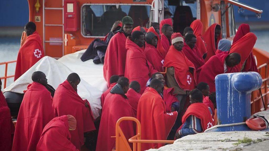 Rescatadas 173 personas a bordo de cuatro pateras en el Mar de Alborán