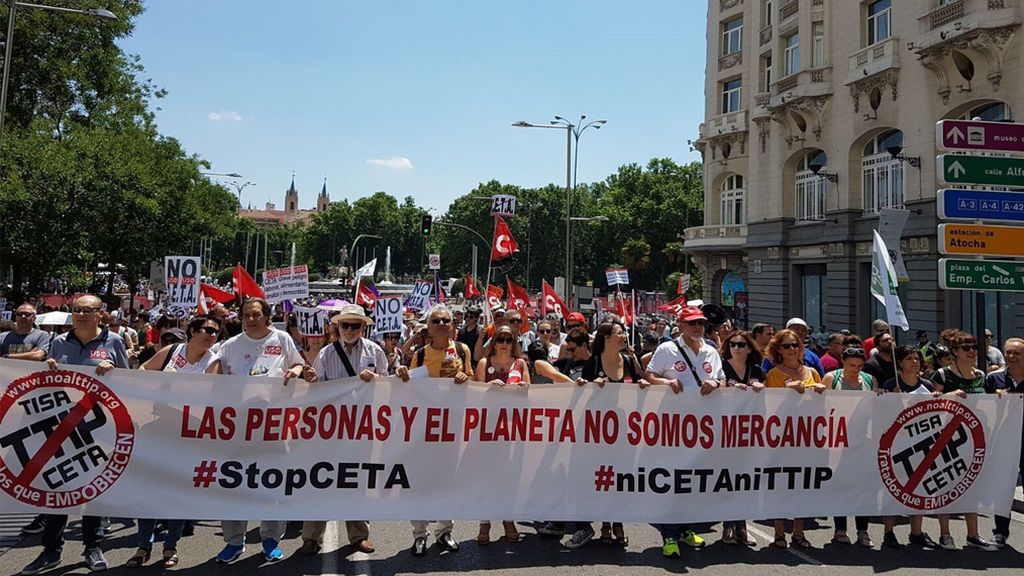 Cientos de personas se manifiestan en Madrid contra el CETA entre la UE y Canadá