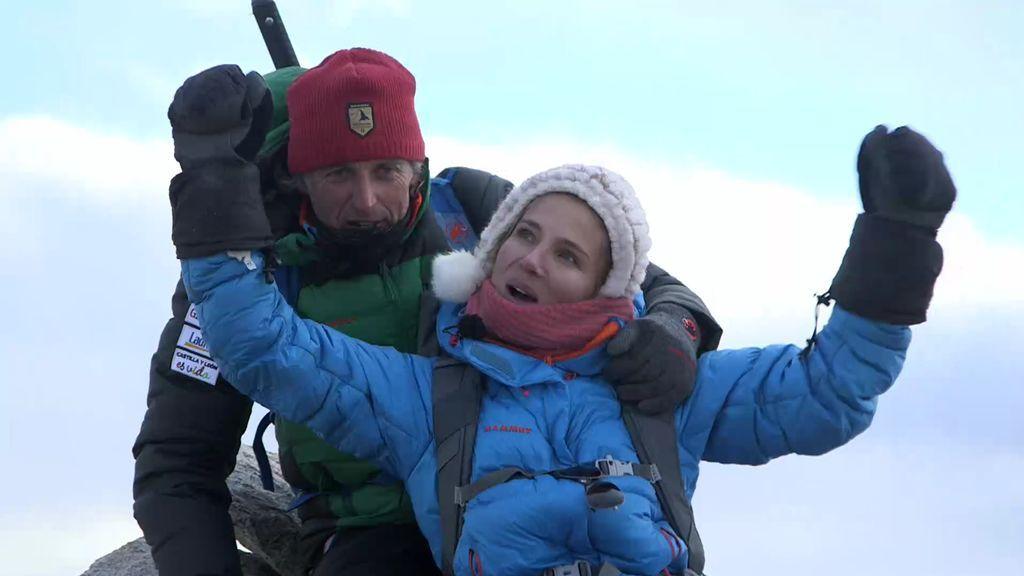 """¡Calleja y Pataky coronan una cumbre del Himalaya!: """"Quizás somos los primeros en subir aquí"""""""