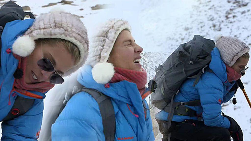 """Elsa Pataky, a punto de llegar a una de las cumbres del Himalaya: """"Estoy viendo doble"""""""