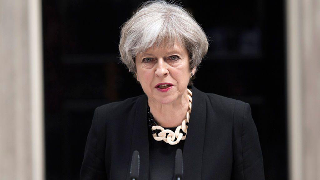 Theresa May defiende un endurecimiento de las penas para combatir el terrorismo
