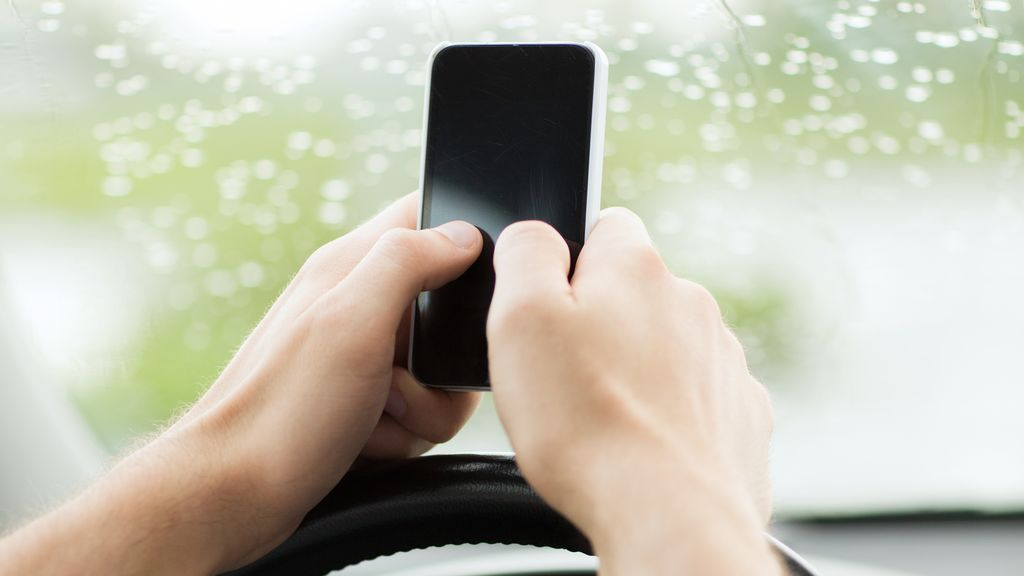 El 'pulgar de celular', la enfermedad causada por los teléfonos móviles