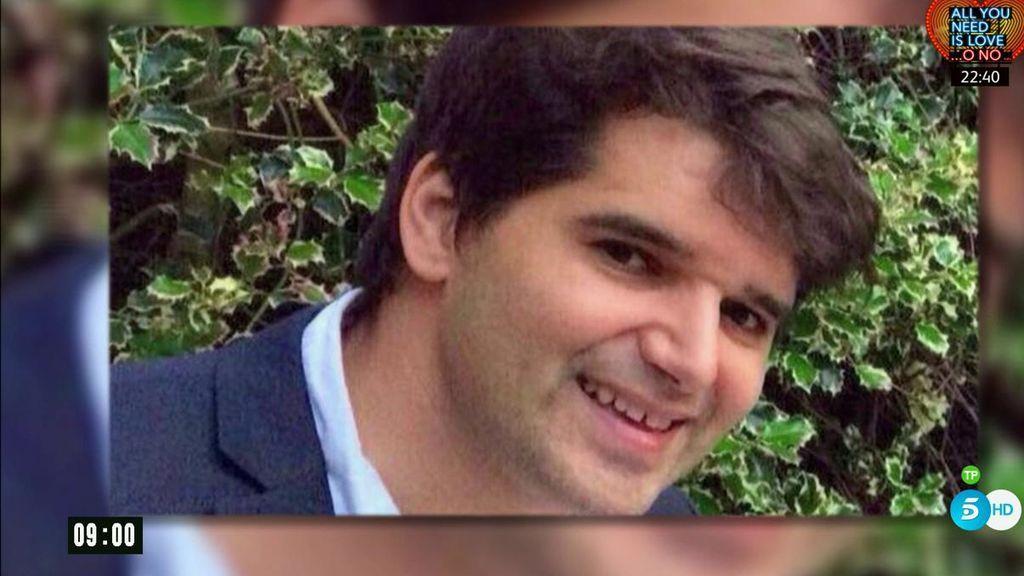 La última vez que se vio al español desaparecido estaba enfrentándose a los terroristas con su propio monopatín