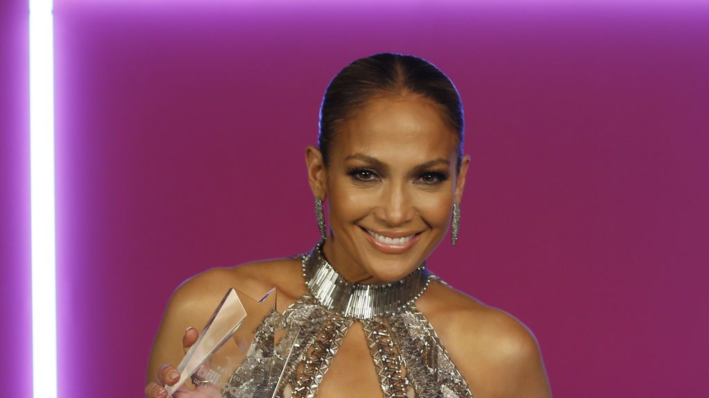 Jennifer Lopez sorprende en la Red con un vídeo al natural