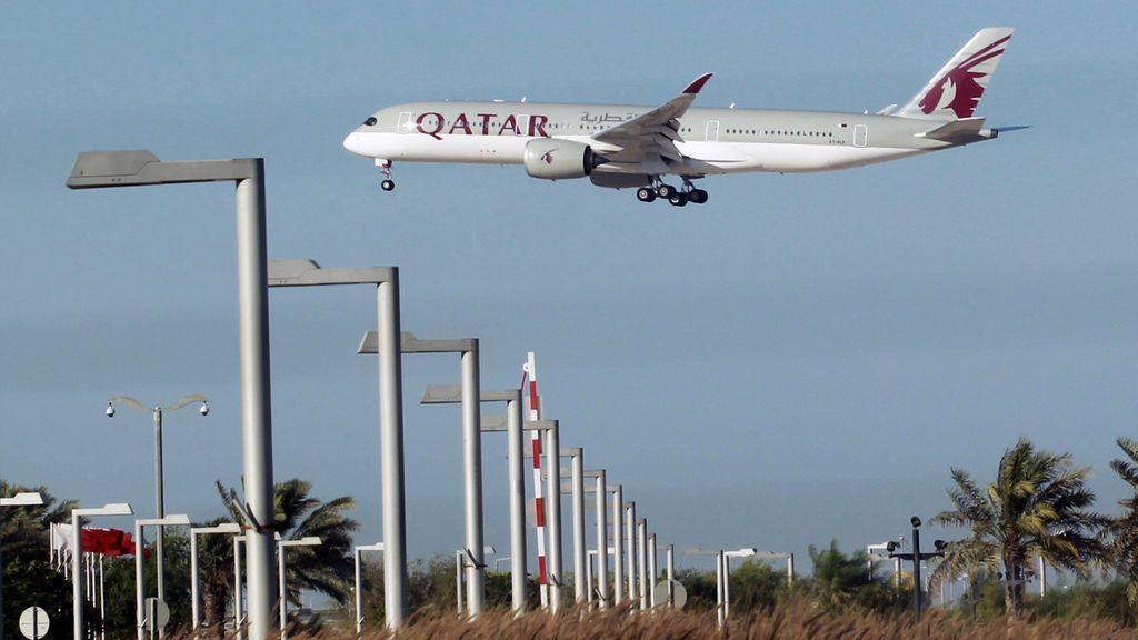 Un avión de Qatar Airways en Doha, Qatar