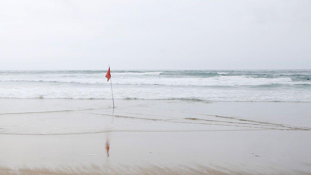 Investigan la aparición de restos humanos en una playa de Elche