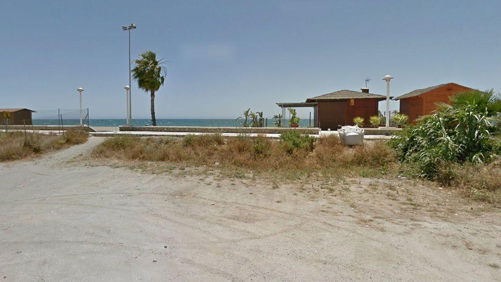 Muere ahogada una anciana en la playa de la Caleta de Vélez-Málaga