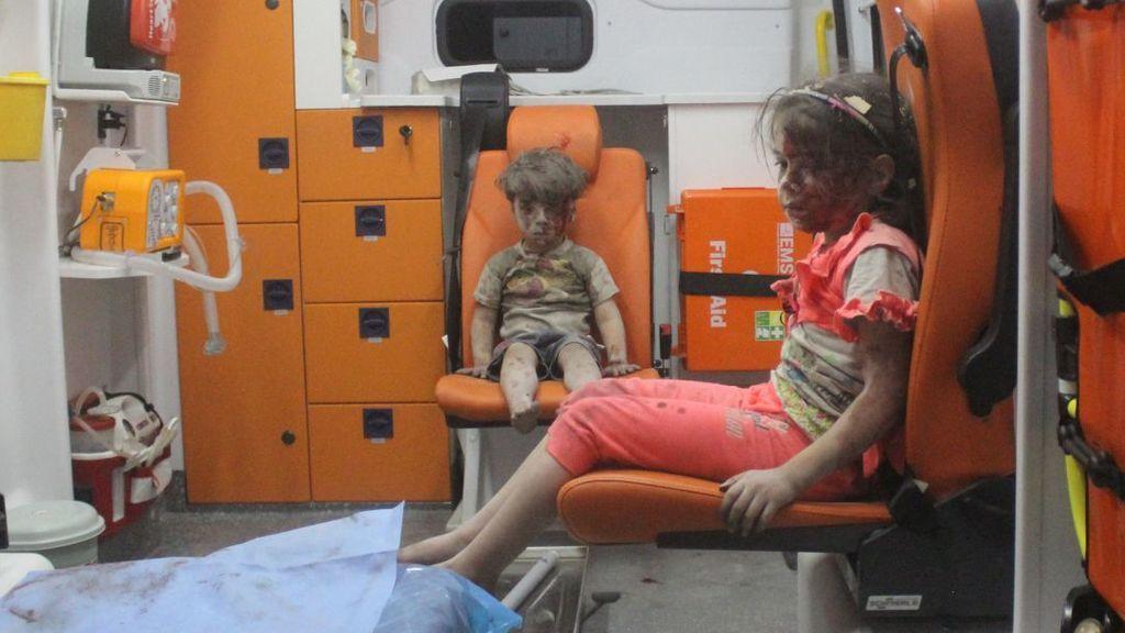 Nueva foto de Omran, el niño que se convirtió en símbolo del sufrimiento de la guerra siria