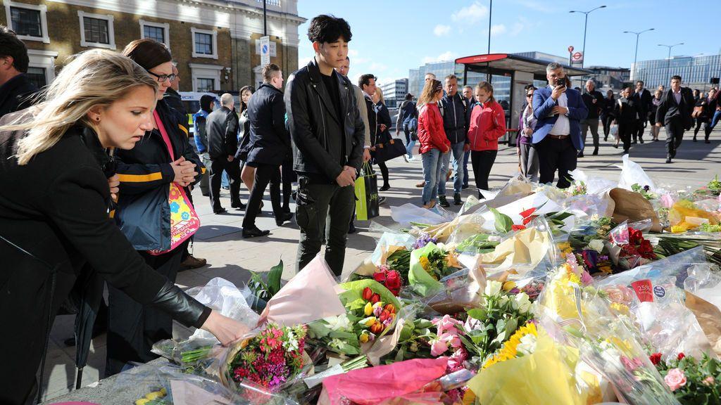 Tributos florales a las víctimas del reciente atentado en Londres