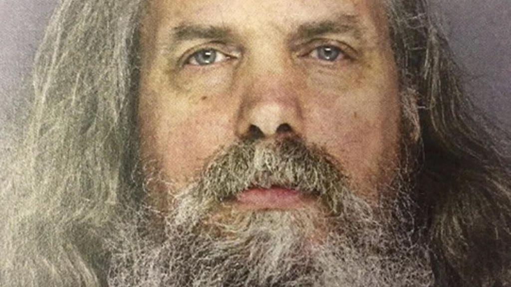 Condenan a un 'profeta' pedófilo por abusar sexualmente de 6 niñas que le regalaron
