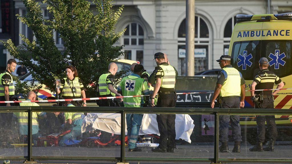 Cinco heridos al ser atropellados por un coche en Ámsterdam