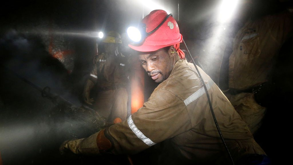 Detenidos 138 mineros desde el inicio de la huelga en una mina de oro de Sudáfrica