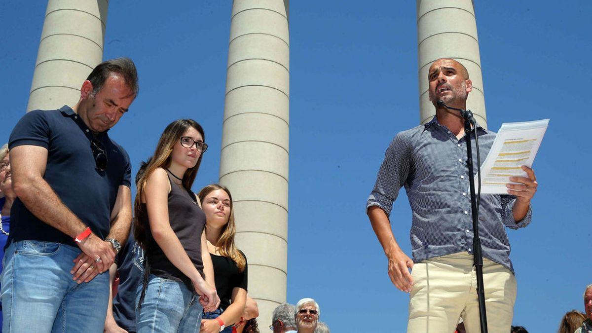 Miles de personas apoyan en Barcelona el referéndum de independencia