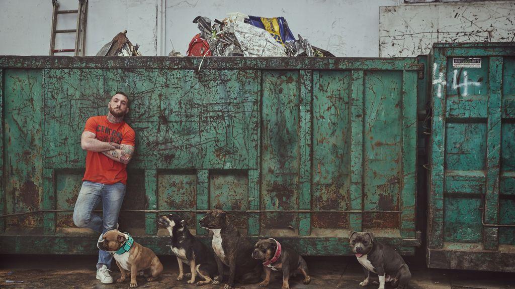 Conoce a Javier García Roche, el defensor de los animales en 'A cara de perro'