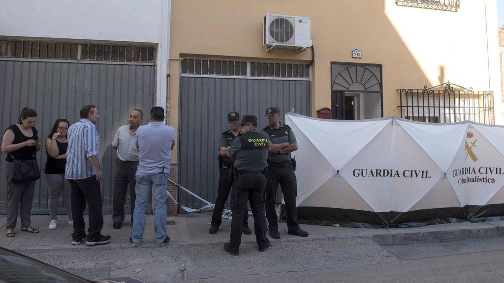 Un hombre mata presuntamente a su mujer de un disparo en Las Gabias ( Granada)