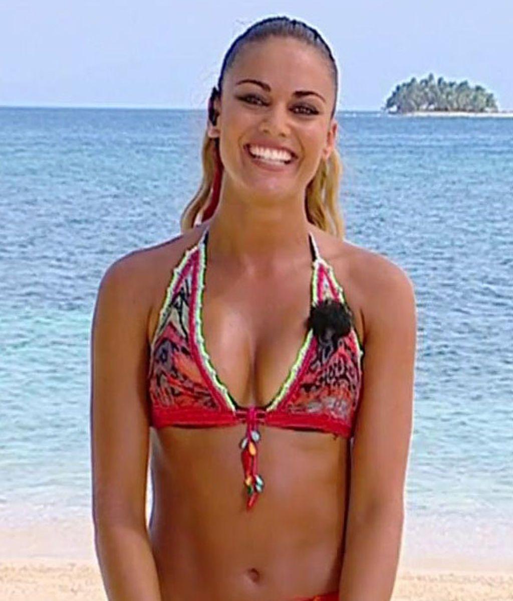 Lara Álvarez y sus modelitos: bikinis, trikinis y bañadores ¡Coge ideas para el verano!