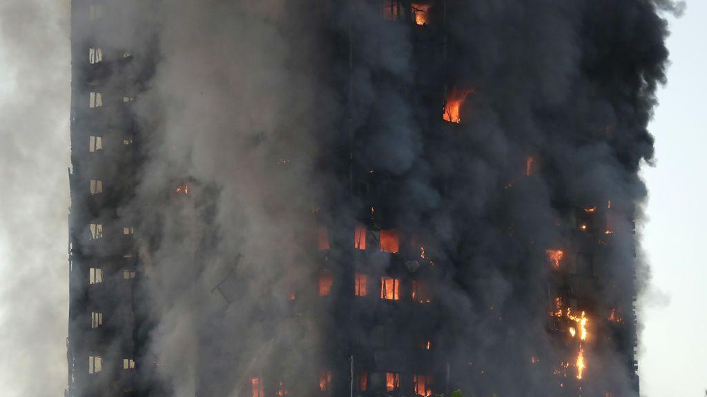 Incendio de Londres: vecinos denuncian corrupción en el edificio