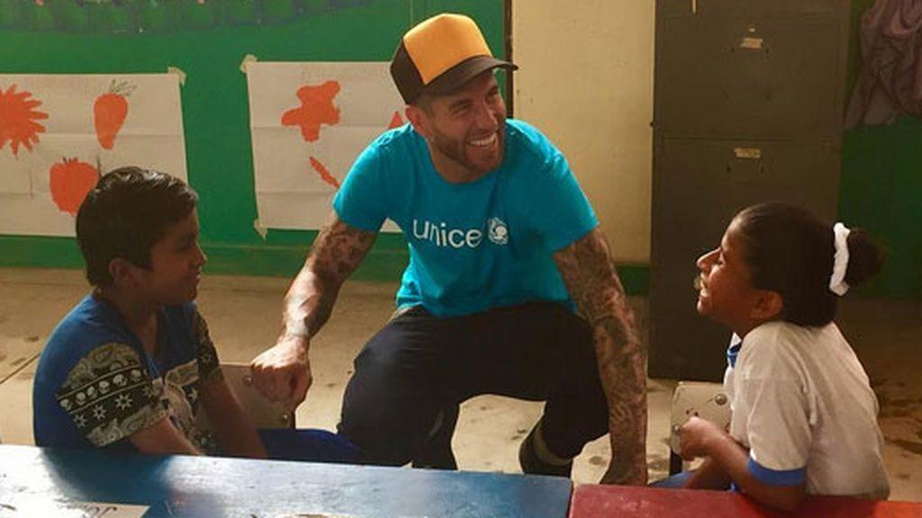 ¡Todo un padrazo! Sergio Ramos se vuelca con los niños más necesitados de Perú