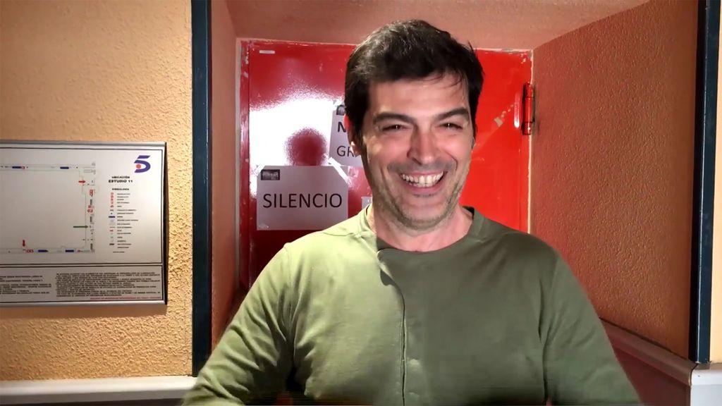 'Aquí te pillo, aquí te grabo' al presentador César Heinrich en '¿Me lo dices o me lo cantas?'