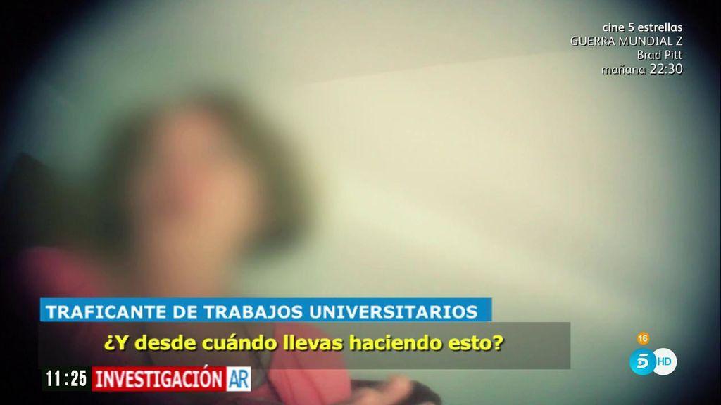Una jubilada de 67 años, traficante de trabajos universitarios: los vende por 700€