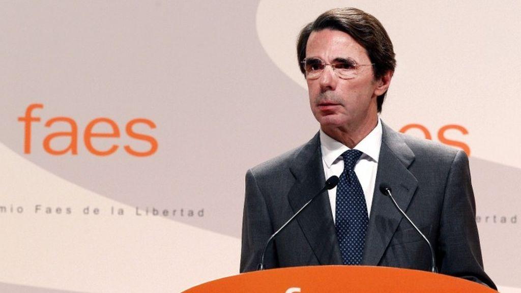 """Aznar avisa al PSOE que alinearse con Podemos es """"reconstruir el enemigo"""""""