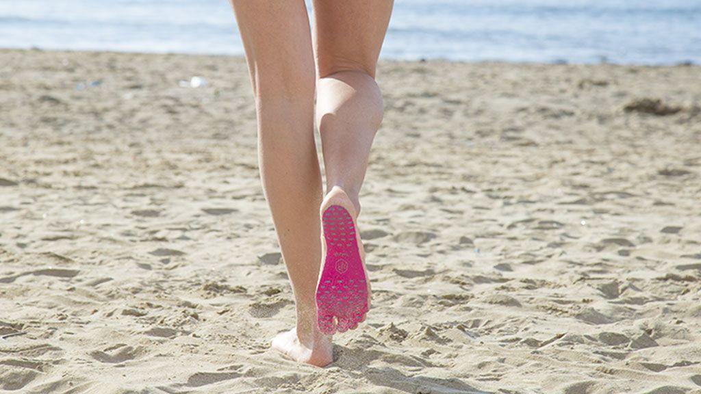 Con estas plantillas no te volverás a quemar los pies en la playa