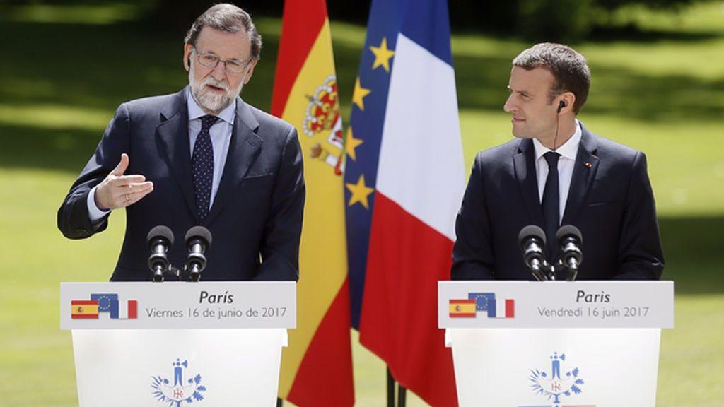 Rajoy y Macron en París