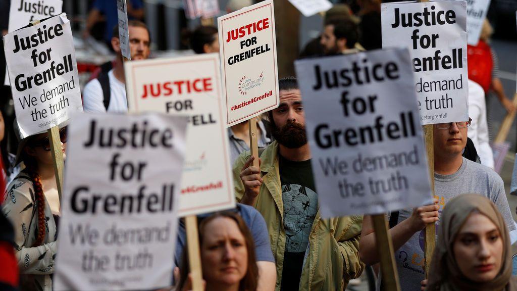 Protestas por el incendio de la Torre Grenfell en Londres