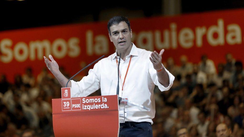 """Pedro Sánchez acusa a Rajoy de """"vulnerar la Constitución"""" y al PP de """"corromperla"""""""