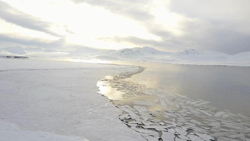 """El calentamiento global preocupa a Calleja y Milá: """"El volumen de hielo que tenemos es un 25% del que había hace 30 años"""""""
