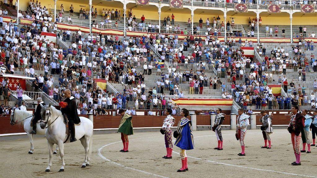 Emotivo minuto de silencio y ovación a Iván Fandiño en las Ventas