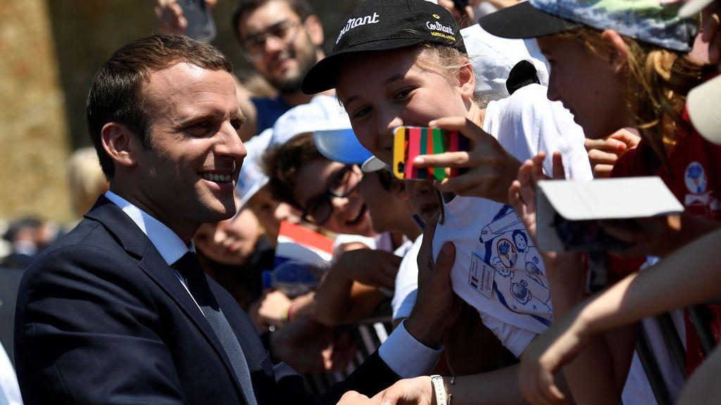 Las encuestas apuntan a una mayoría absoluta de los partidos de Macron