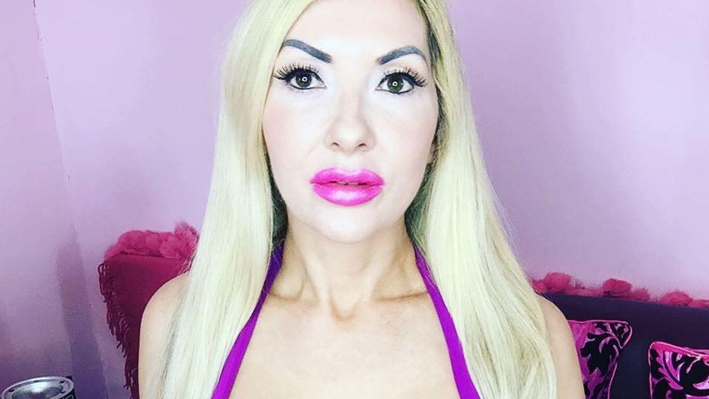 Fanática de la Barbie: se gasta más de 20.000 euros para parecerse a la muñeca