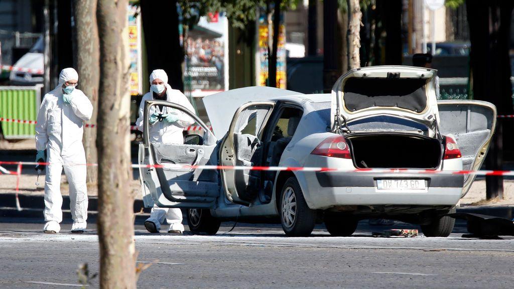 Detenidos cuatro familiares del autor del atentado fallido en los Campos Elíseos