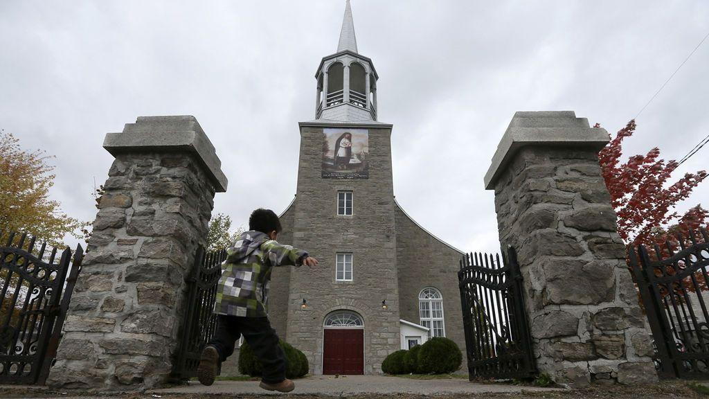 La Iglesia de Montreal registrará las huellas dactilares de los curas que trabajan con niños