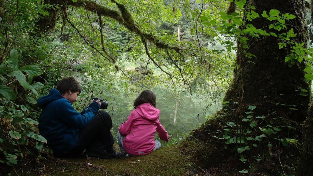 Unai y Amaia en la selva