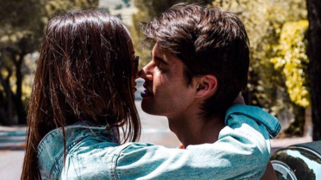¡Viaje en familia! Javier Tudela y su novia se van de viaje junto a Anita Matamoros